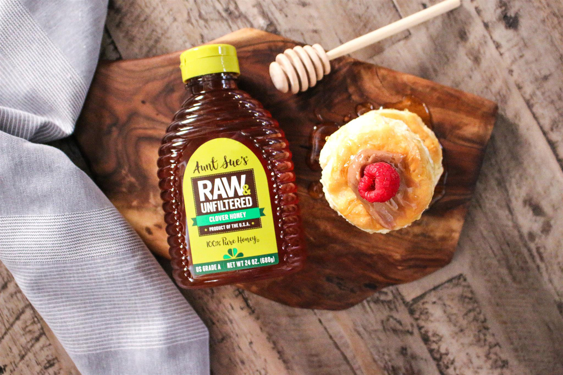 Aunt Sue's Raw & Unfiltered Honey Bottle with Pastry and Honey Dipper